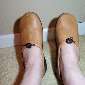 Arcopedico Camel Shoes